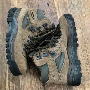 Merrell Goretex Hiking Boots Wm 7